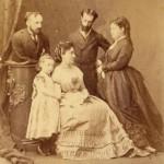 Il principe Placido Gabrielli e il conte Paolo di Campello, Augusta Bonaparte Gabrielli e  seduta Maria Bonaparte di Campello con la figlia Giacinta