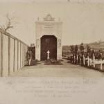 Arco temporaneo sulla ripa Mastai all'Emporio
