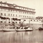 Veduta del porto di Ripa Grande con battelli